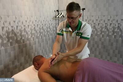 За приятный массаж сделала массажисту приятно